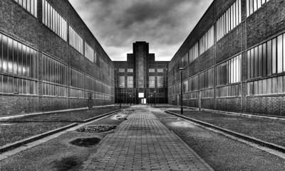 """Zeche Zollverein - Essen 2007 Klinkerfassade der Kesselhausflucht  Steinkeohleförderung von 1847 (ab 1932 im """"Neubau"""") bis 1986 Sitz des Ruhrmuseums"""