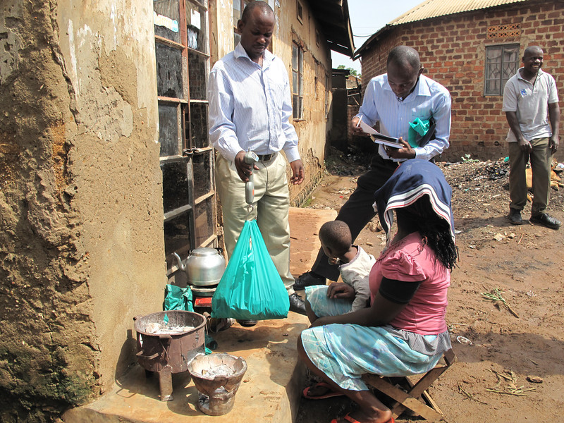The Impact Carbon team measures charcoal consumption of users in the field during a Kitchen Performance Test (KPT) in order to accurately calculate carbon emissions saved through the use of efficient charcoal stoves.