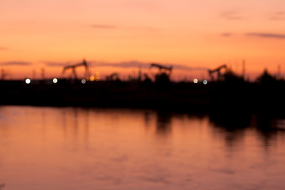 OUT OF FOCUS, OIL, Bakersfield, Kern County, Kern River, SunSet, Pumping Unit, Pump jacks