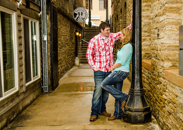 in the alley engagement session
