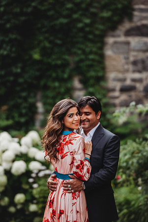 Montreal Engagement Photographer | Vieux Montreal | Old Montreal | Lindsay Muciy Photography and Videography