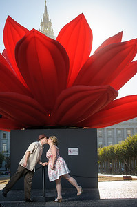 6944-d3_Renee_and_Zak_San_Francisco_City_Hall_Engagement_Photography