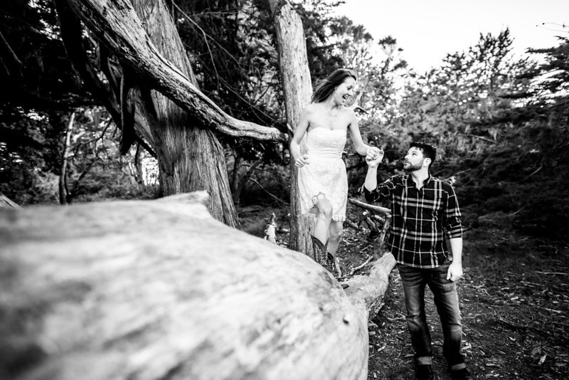 7064_d800a_Tania_and_Michael_Fitzgerald_Marine_Reserve_Engagement_Photography