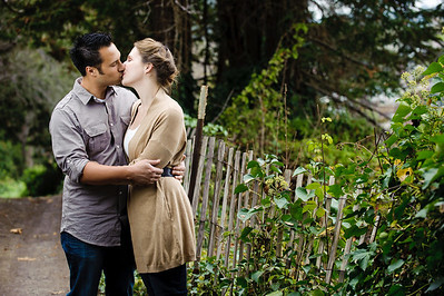 2598-d3_Amy_and_Elliott_Capitola_Engagement_Photography