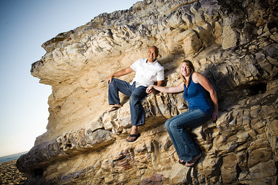 6758-d700_Alison_and_Ramir_Santa_Cruz_Engagement_Photography_3-Mile_Beach