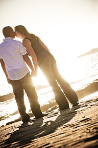5692-d3_Alison_and_Ramir_Santa_Cruz_Engagement_Photography_3-Mile_Beach