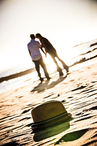 5690-d3_Alison_and_Ramir_Santa_Cruz_Engagement_Photography_3-Mile_Beach