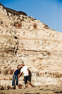5708-d3_Alison_and_Ramir_Santa_Cruz_Engagement_Photography_3-Mile_Beach