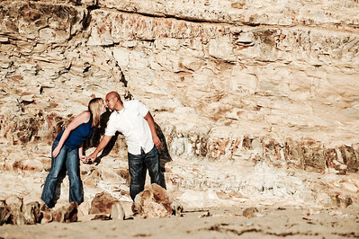 5706-d3_Alison_and_Ramir_Santa_Cruz_Engagement_Photography_3-Mile_Beach