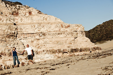 5703-d3_Alison_and_Ramir_Santa_Cruz_Engagement_Photography_3-Mile_Beach