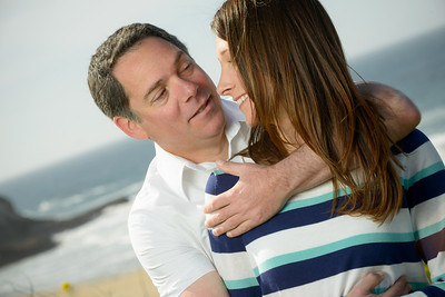 6911_d800_Jamie_and_Matt_Lagunas_Beach_Santa_Cruz_Engagement_Photography