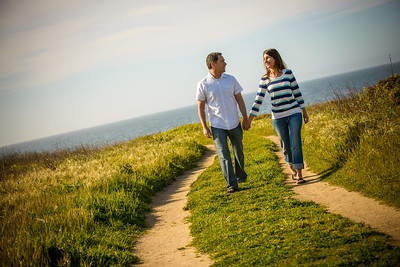 6851_d800_Jamie_and_Matt_Lagunas_Beach_Santa_Cruz_Engagement_Photography