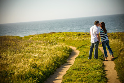 6847_d800_Jamie_and_Matt_Lagunas_Beach_Santa_Cruz_Engagement_Photography