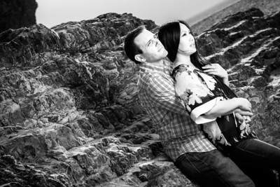 2749_d800b_Lynda_and_John_Panther_Beach_Santa_Cruz_Engagement_Photography