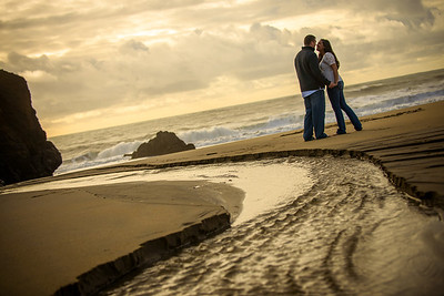 6939_d800_Megan_and_Dan_Panther_Beach_Engagement_Photography