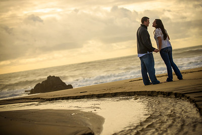 6940_d800_Megan_and_Dan_Panther_Beach_Engagement_Photography