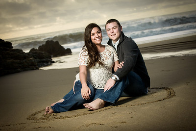6992_d800_Megan_and_Dan_Panther_Beach_Engagement_Photography