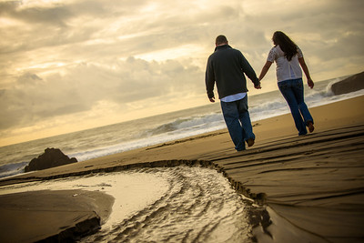 6932_d800_Megan_and_Dan_Panther_Beach_Engagement_Photography