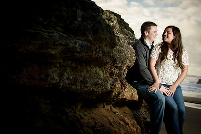 6996_d800_Megan_and_Dan_Panther_Beach_Engagement_Photography