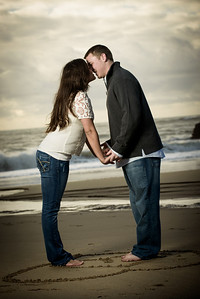 6979_d800_Megan_and_Dan_Panther_Beach_Engagement_Photography
