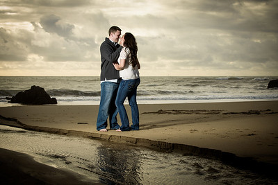 6956_d800_Megan_and_Dan_Panther_Beach_Engagement_Photography
