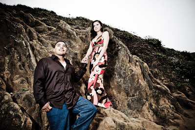 2028-d700_Samantha_and_Anthony_Santa_Cruz_Engagement_Photography_Panther_Beach