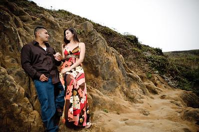 2030-d700_Samantha_and_Anthony_Santa_Cruz_Engagement_Photography_Panther_Beach