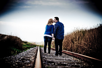 1686-Shannon_Osburn_Greg_Hurley_Santa_Cruz_Engagement_Photography_3_mile_beach
