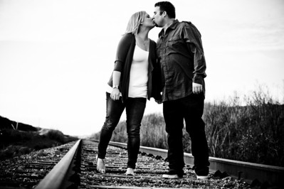 1696-Shannon_Osburn_Greg_Hurley_Santa_Cruz_Engagement_Photography_3_mile_beach