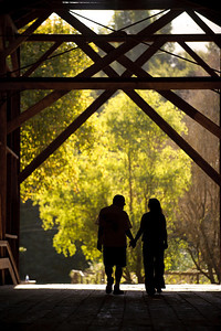 8946-d3_Noel_and_Marin_Felton_Engagement_Photography_Covered_Bridge_Park_Henry_Cowell