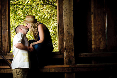 8971-d3_Noel_and_Marin_Felton_Engagement_Photography_Covered_Bridge_Park_Henry_Cowell