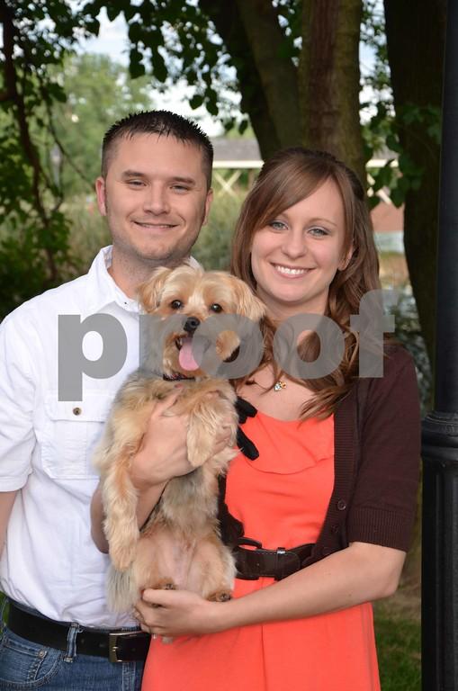 Danielle & Eric's Engagement Pics.
