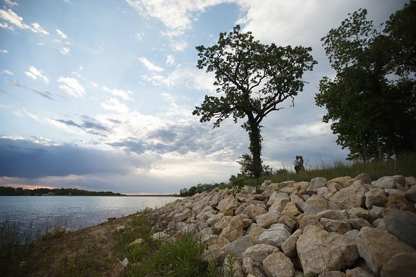 Rocks/Tree Far