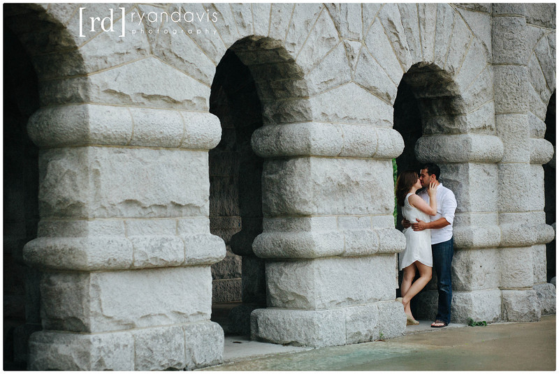 Chicago engagement photography session in Lincoln Park. Wedding photographer - Ryan Davis Photography , Rockford, IL.