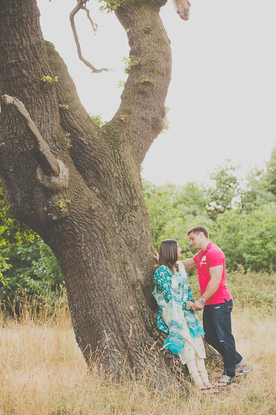 Zobia-Mark-crabbs-barn-kelvedon-pre-wedding-shoot--038
