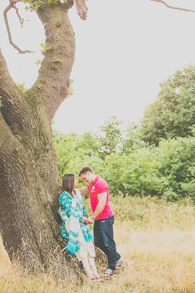 Zobia-Mark-crabbs-barn-kelvedon-pre-wedding-shoot--037