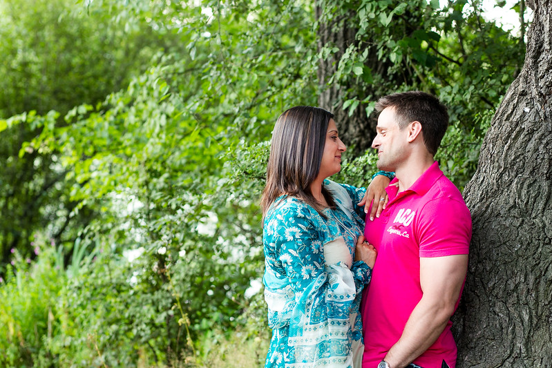 Zobia-Mark-crabbs-barn-kelvedon-pre-wedding-shoot--011