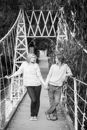 0014-130509-emily-travis-engagement-©8twenty8-Studios