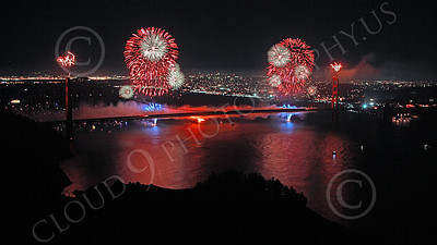 ENGF-GGB 00370 Colorful fireworks burst above the Golden Gate Bridge to celebrate a landmark anniversary picture by Peter J Mancus