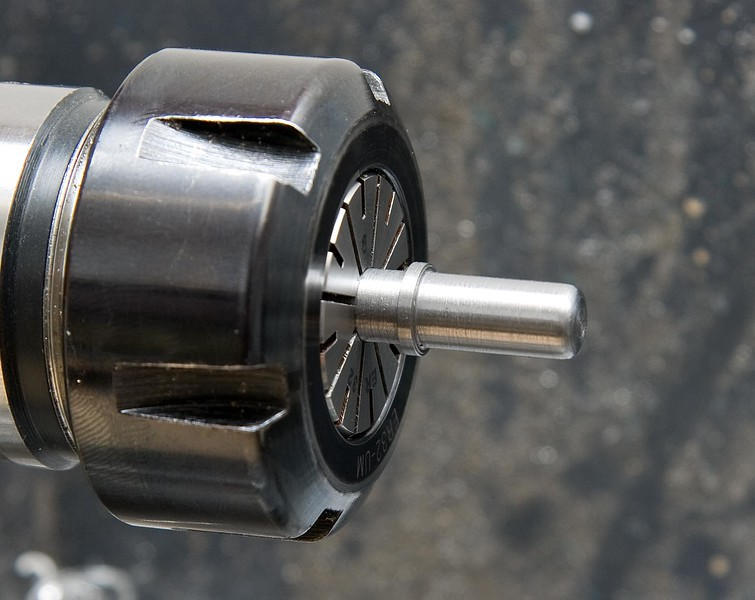 Turning the spindle locking pin out of steel