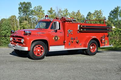 Dinwiddie, Virginia - 1953 Ford F750 Big Job/American