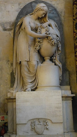 Grave monument in Bath Abbey