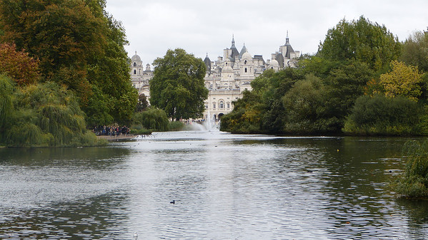 Hyde Park view of the Thames river