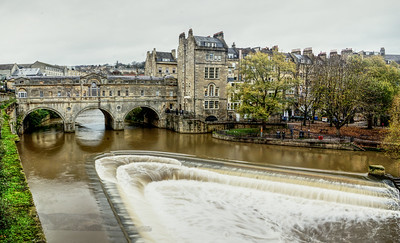 Pulteney Bridge over the River Avon in Bath
