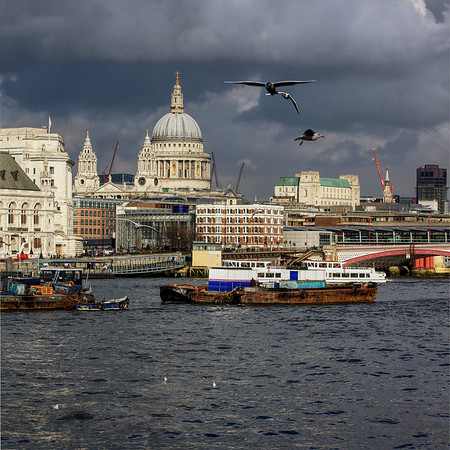 River Thames - St Pauls Cathedral