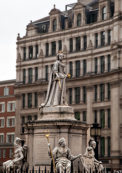 Statue of Queen Anne