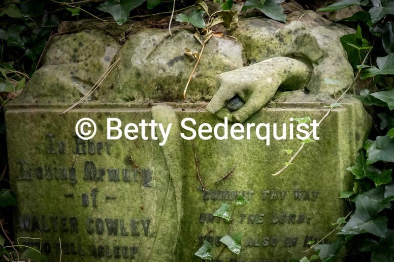 Spooky Graveyard Hand