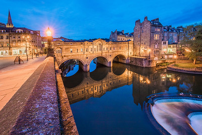 River Avon and Pulteney Bridge, Bath, England