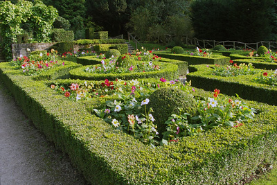 A carefully sculpted Chatsworth garden. I spent some time later in the day looking for the Sensory Garden and Kitchen Garden in the same area, but only found this garden, which may be the front entrance to the Sensory Garden.