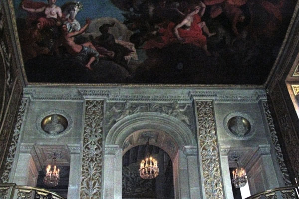 Chatsworth, Painted Hall, revealing one of the ceiling painting. The ceiling and walls are covered with paintings.